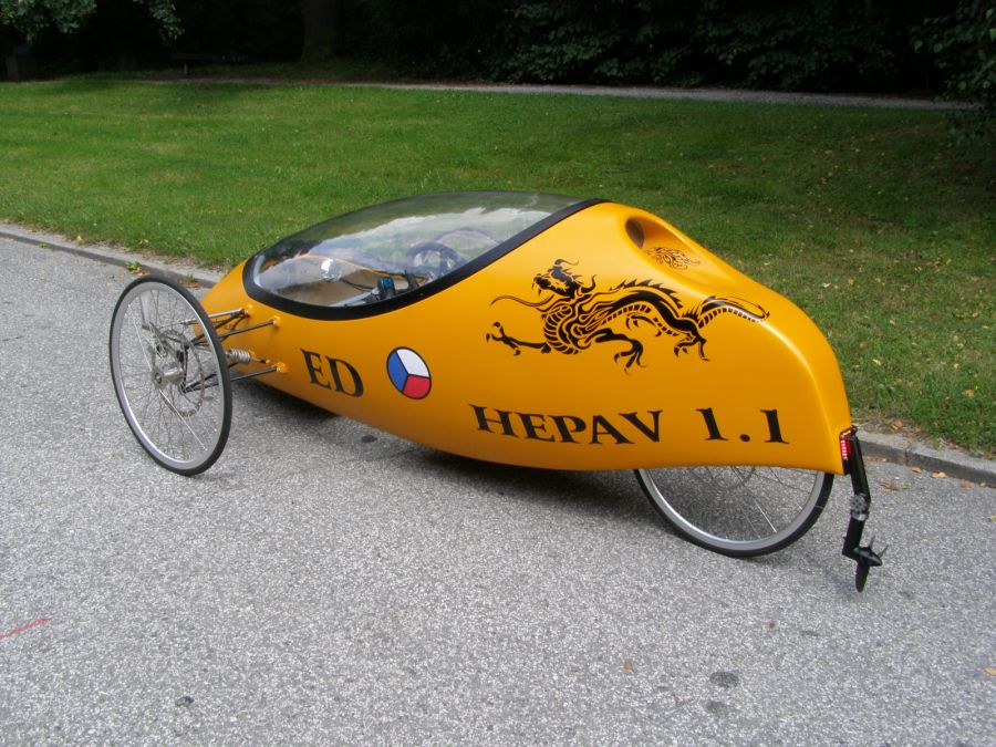 Amphibian velomobile from the Czech Republic