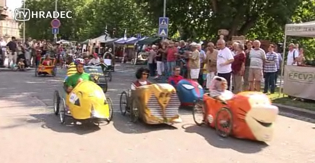 Four wheel pedal vehicles race