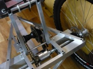 rear hub, secondary chain and diferential among rear wheels