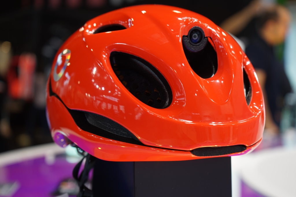 smart helmet from Briko