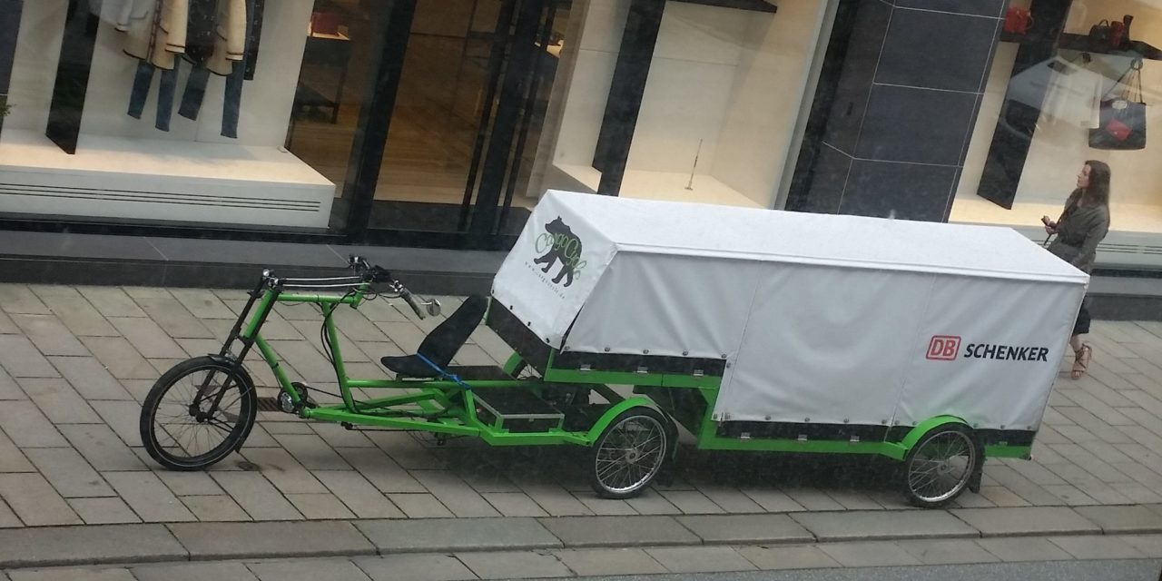 Das Nanuk: Recumbent semi-truck from Hamburg