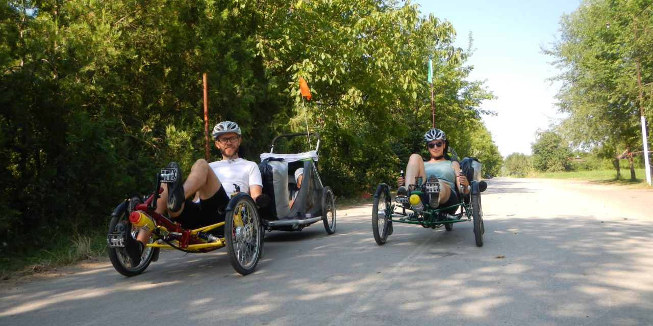 ⭐️ Young family traveling on recumbent trikes