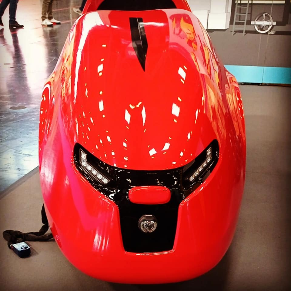 Front view of the GallopeAZ four-wheel velomobile