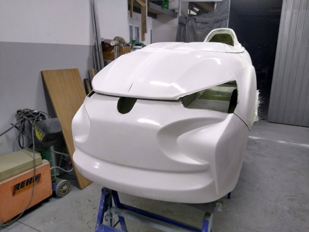 nose of the eqhawk velomobile